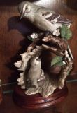 HOMCO Masterpiece Porcelain Mocking Bird With Chick Figurine/Statue on Log 1979