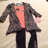 Little Girl NEW! Adorable 3 Pc Cute Cat outfit! Size 5/5t maybe a small 6