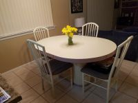 Kitchen table sert and chairs