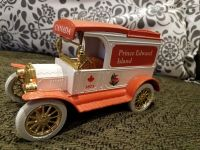ERTL 1913 Model T Delivery Locking Coin Bank Die-Cast Truck Prince Edward Island