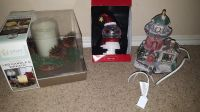3 Christmas Decor Items - New & Gently-used