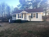 2bed Greer, SC(216 Forest St)