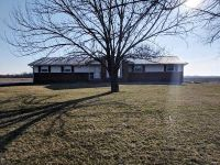 3 Bed 2 Bath Foreclosure Property in Mulberry Grove, IL 62262 - Mulberry Grove Rd