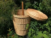 WICKER LAUNDRY BASKET/LID Huge Clothes Hamper Rattan Willow Like NEW!