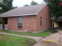 - $495 Master bedroom.Safe area.Util,TV,Wifi included. No lease needed.  (Lee and Nicholson)
