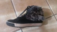 Shoes with little fur