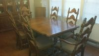 $500, Antique Solid Oak Dining Set with Lighted Hutch