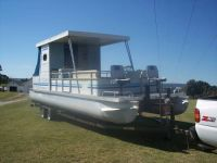 HOUSE BOAT PONTOON
