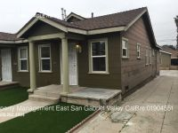 Completely remodeled 2 bedroom duplex home in Highland Park