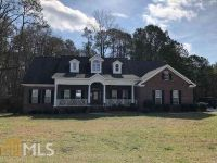 9026 Oakfield Dr Statesboro Three BR, Super nice home in a well