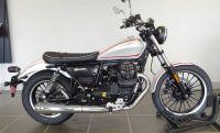 2017 Moto Guzzi V9 Roamer Standard/Naked Motorcycles Houston, TX