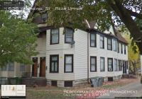 Spacious 2BD/1BA Upper Unit on the Southside