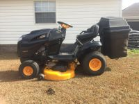Poulan Riding Lawnmower / with bagger