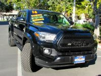2016 Toyota Tacoma 2WD Double Cab V6 AT SR5 (Natl)