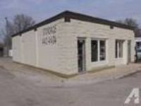 1504ft - office,warehouse, 4 mon free (3924-26 w washington)