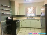 $2,150, 2br, Impeccable 2 Bedroom 1.5 Bath In Ridgewood Park