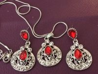 LADIES FASHION VINTAGE STYLE EARRINGS & NECKLACE SET SIMULATED RUBY NEW VALENTINES