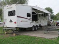 2009 Forest River Silverback 30LRKSA 5th Wheel
