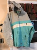 Women s XL LIQUID snowboarding coat. Very warm. EUC other than a few tiny marks that are virtually unnoticeable.