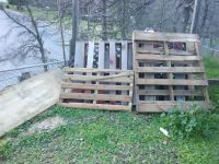 FREE WOOD PALLETS And SCRAP WOOD