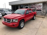 2011 DODGE DAKOTA SLT