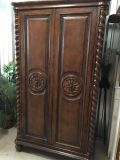 Beautiful Armoire like new6-1/2 ft tall