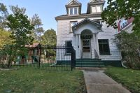Gorgeous 5 Bedroom 2 Bathroom Single Family Home in the Historic District!