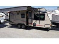 2014 Palomino SolAire Expandable 213X 27ft