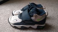 Boy's Youth Nike shoes size 1