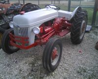 Ford 9N Tractor - Needs Work