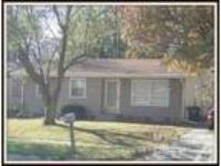 $925 / 3 BR - ** Ranch style house, garbage included in the rent ** (56th &
