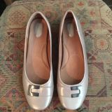 Clark s Artisan Metallic Taupe Leather Shoes. Size 12