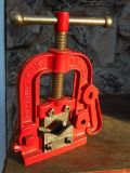 HOLLAND PIPE Vise No. 401 --- HOLLAND ERIE, Pa.