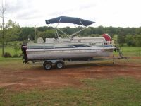 2002 Voyager Fish and Ski 22ft Pontoon boat