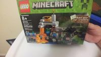 NWT Lego Minecraft The Cave 21113