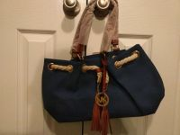 Satchel handbag