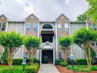 $900, 1br, 1 bd/1 bath Take in the tranquil setting of Lake Jeanette at Waterford Place, a serene escape th...