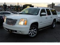2007 GMC Yukon XL Denali AWD & Loaded & Extra Clean