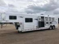 2018 Platinum Coach Outlaw 4 horse 10' SW Outlaw Conversions