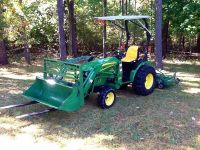 $2,550, 2008 John Deere 2520 4WD Tractor Loader Attachments