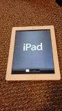 Ipad 3rd generation white 32 gb with cases