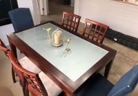 beautiful dining room table set w/ 4 chairs