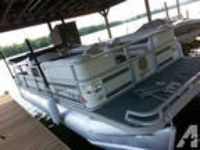 pontoon BOATS -