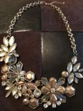 Costume Jewelry Necklace gold