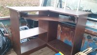 Student desk with slide out shelf for keyboard, free to student,good condition, need to move this very soon!