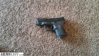 For Sale: Smith and Wesson M&P 40 compact.