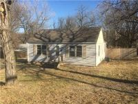 Foreclosure - S Sterling Ave, Independence MO 64052