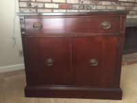 1940's Mahogany server; Very well cared for & Exc, cond.