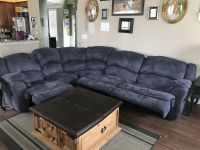 Sectional reclining sofa -3 pieces