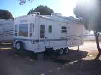 2001 DUTCHMAN SUPREME BY THOR 2  SLIDS   5TH  WHEEL